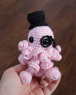 Amigurumi Top Hat Pattern : Ravelry: Cthulhu Amigurumi with Top Hat pattern by ...