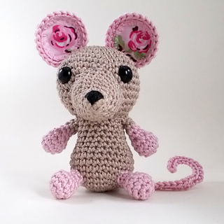 Ravelry: Eden Reborn Amigurumi Mouse pattern by Tracy ...