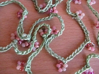 Pink_coral_necklace_03_small2