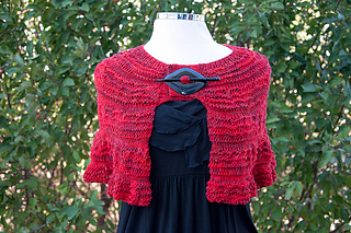 Red_ruffle_shawl_front_small2