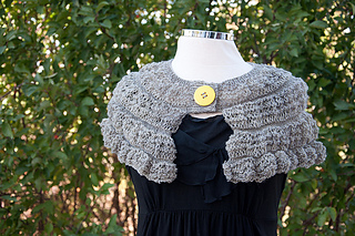 Gray_ruffle_short_shawl_front_small2