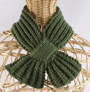 Buttonhole-scarf-for-etsy-rav_small2