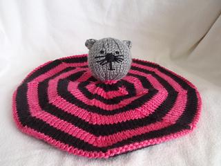Stanascrittersetc_kittie_blanket_small2