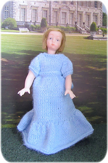 Girl_blue_dress_small2
