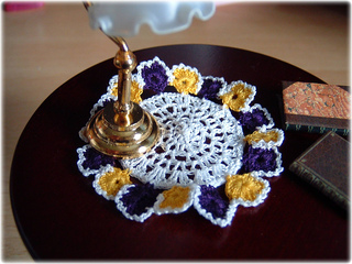 Pansy_doily_2_small2