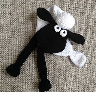 Ravelry: Shaun the Sheep Scarf pattern by Sally McCollin