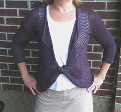 Double_twist_pullover_small