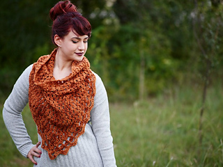 Elemental_triangle_cowl_furls_cal_for_october_small2