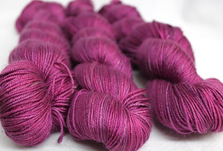 Etheral_mixed_pink_4ply_small2