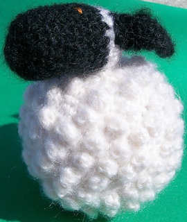 Chubby_sheep_spring_small2