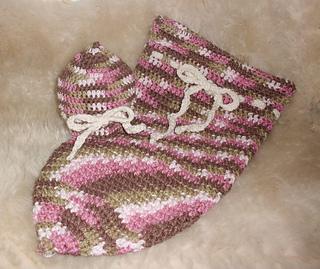 Crochet_baby_cocoon_crochet_baby_hat_small2