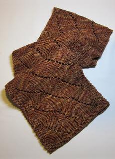 Goldenscallopsscarf2_small2