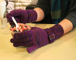 Gloveseatingparfait_small2