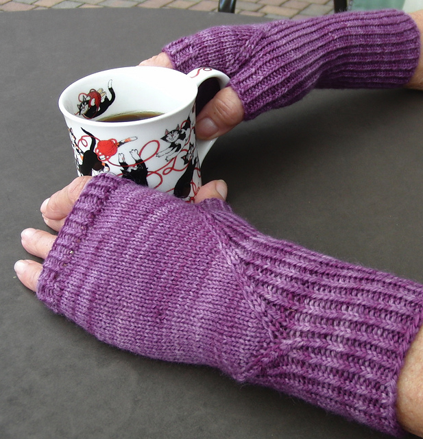 Hidden Gusset Fingerless Mitts