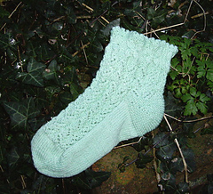 Butterflies_n_bees_sock_small
