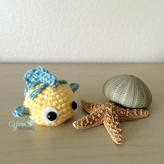 Ravelry: Flounder Amigurumi Fish pattern by Peng Lim