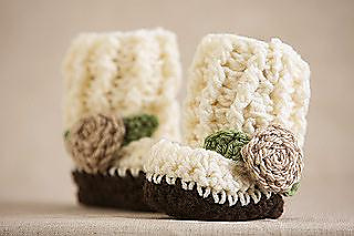 Crochet-little-rose-booties_small2_small2