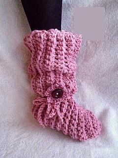 Beginner_crochet_slouchy_slippers_small2