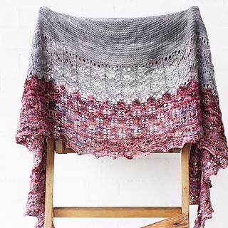 Summertide_shawl_skein_yarn_small2