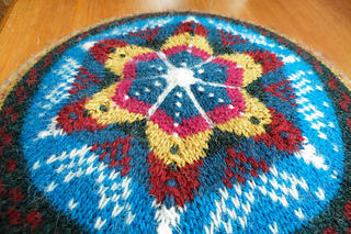 Shetlandhandknitter_-_rocket_hat_small2