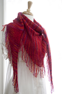 Selffringingshawl1_small2