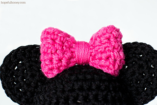 Minnie Mouse Crochet Baby Hat Pattern : Ravelry: Newborn Minnie Mouse Inspired Hat pattern by ...