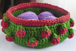 Strawberry_bowl3sm_small2