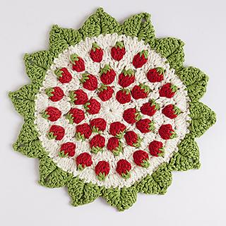 Strawberry_crochet_coaster_sm_small2