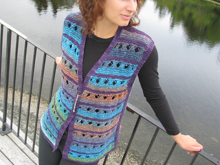 Portside_tunic_lk_yarns_version_028_small2
