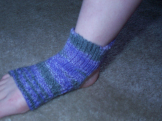 Knitting Pattern For Small Socks : Ravelry: Vee s Yoga Anklet Footies pattern by Allys Site