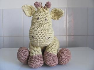 Pillow_pal_giraffe__1__small2