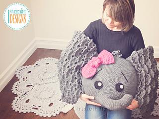 Josefina_and_jeffery_elephants_pillow_pattern_by_irarott__2__small2
