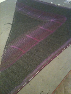 Bermuda_triangle_shawl_018_small2