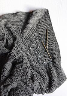 Capella_shawl_with_needles_small2