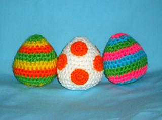 Free Yoshi Egg Crochet Pattern : Ravelry: Yoshi eggs amigurumi pattern by Jennie Faith