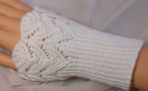 Lace Arm Warmers Knitting Pattern : Ravelry: Filigree Lace Wrist Warmers pattern by Jackie Erickson-Schweitzer