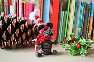 Crochet_mouse_free_pattern_christmas_2_small2