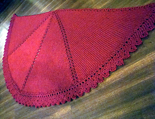 Halfcircleshawl_red_small2