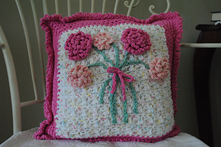 Fowers_in_bloom_pillow_small2