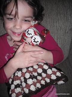 Free-crochet-pattern-owlet-lovey-001_small2