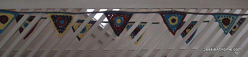 Circle-to-triangle-bunting-free-crochet-tutorial_medium