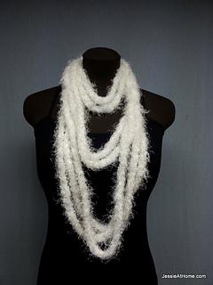 White-simple-chain-stitch-necklace_small2