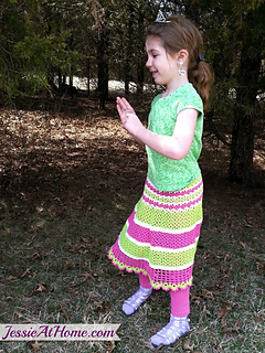 Daisy-free-crochet-skirt-pattern-by-jessie-at-home_small2