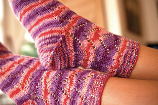 Emmy_s_beaded_sock_detail_small2