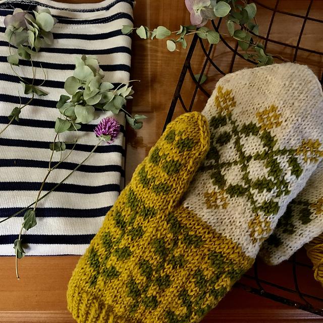 Mitaines tricotées Isabel mittens par Junko Okamoto