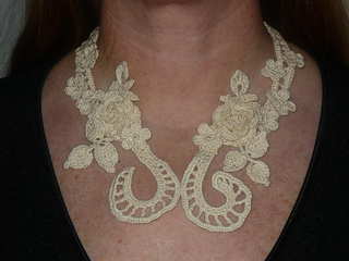 Necklace_rosen_angelegt_small2