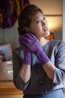 Lace-and-twist-gloves-2_small2