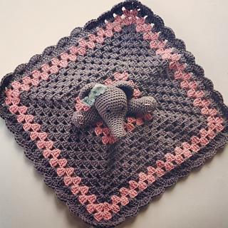 Free Crochet Pattern Elephant Lovey : Ravelry: Elephant Lovey pattern by Carolina Guzman