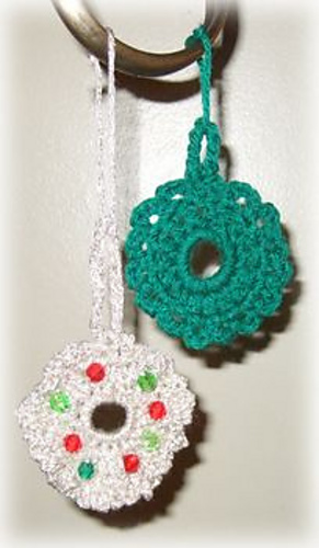 Free Thread Crochet Christmas Ornaments Patterns : Ravelry: Crocheted Christmas Wreath Ornaments pattern by ...