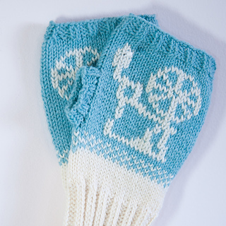 Gloves_closeup_small2